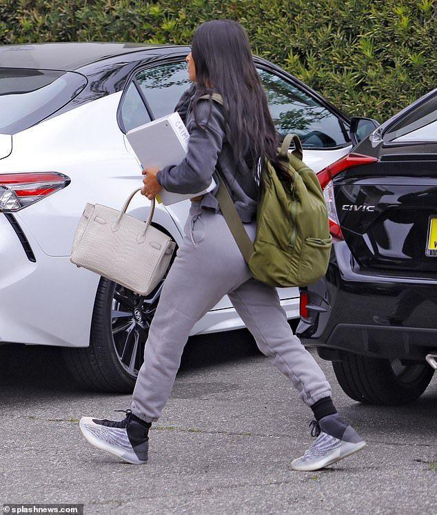Kim Kardashian Is Offered A Job By Famed Attorney Robert Shapiro