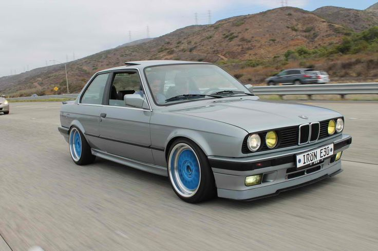 BMW E30. I absolutely love this old peice of BMW history. Brilliant in every way :)