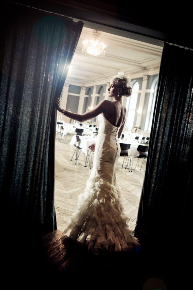 Bryllupsfotografering i hele Landet  http://www.voresstoreja.dk/fotograf-til-bryllup/landsdaekkende-bryllupsfotograf/