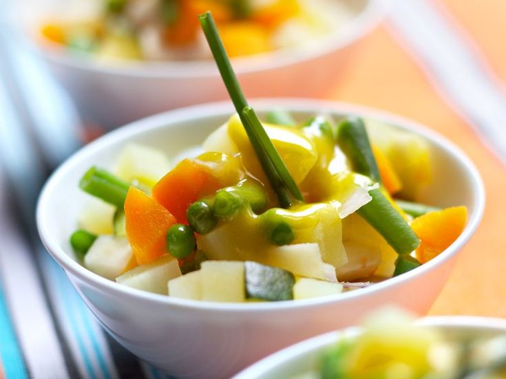 Découvrez la recette Macédoine de légumes sur cuisineactuelle.fr.