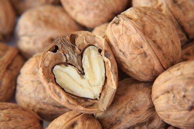Una manciata di frutta secca al giorno riduce il rischio di morte prematura del 23%: è il risultato di uno studio condotto dall'Università di Maastricht http://pilloline.altervista.org/frutta-secca-fa-bene/