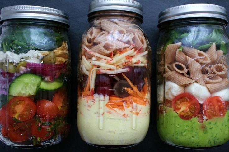 Salate im Glas