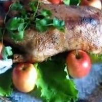 Elma ile pişmiş ördek video tarifi