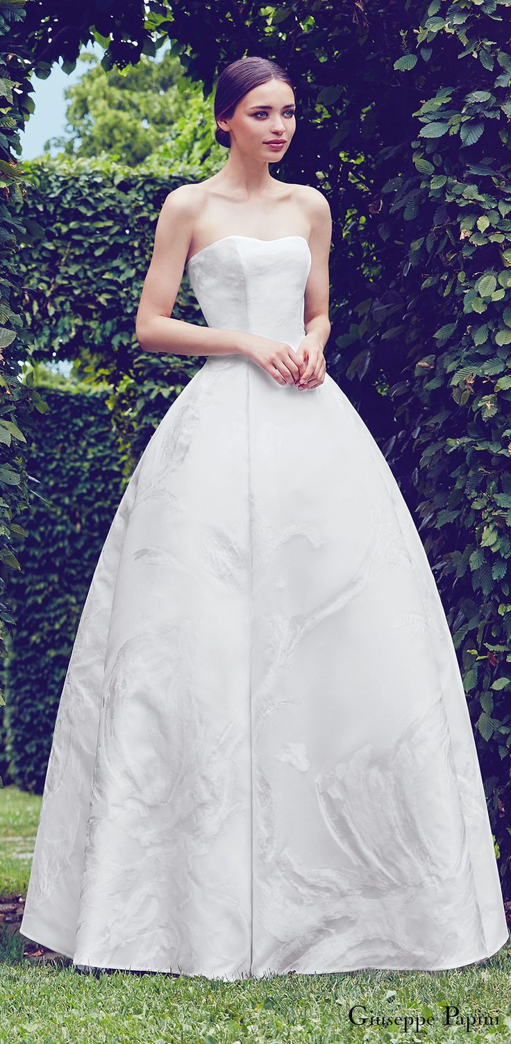 Giuseppe Papini 2017 (milano) strapless sweetheart unembellished silk ball gown wedding dress mv romantic #wedding #bridal #weddingdress #ballgown #romantic #strapless