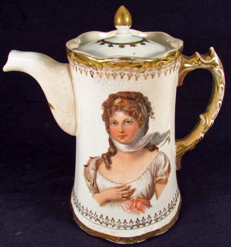 ANTIQUE / VICTORIAN ERA CHOCOLATE POT: