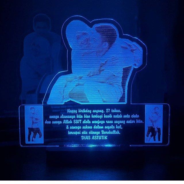 Lampu acrylic custom !! Tersedia dalam berbagai macam ukuran �� (Gambar, warna lampu, text, design bisa custom sesuka hati ��) • • • • • • • #kado #kadomurah #kadounik #kadounikmurah #kadoimlek #kadonatal #kadoultah #kadoanniv #kadowedding #kadonikah #kadopacar #kadocowok #kadocewek #kadoistri #kadosuami #custom #lamputidur #kadolahiran  #hadiah #hadiahultah #hadiahwisuda #hadiahlucu #hadiahkeren #hadiahmurah #bantal #bantalunik #bantalfoto #bantallucu #weddinggift #lampuhias…