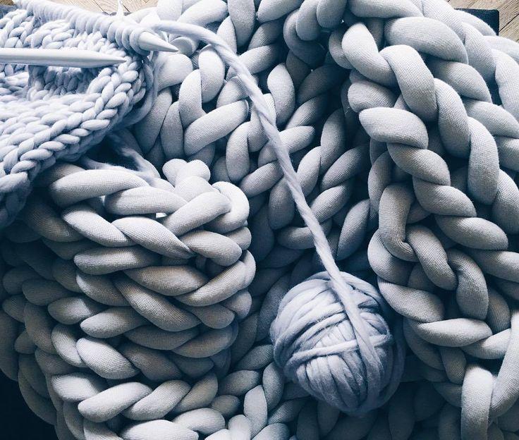 ohhio-design-tricot-artistes-05.jpg (1080×916)