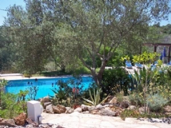 Casa de Campo, Aluguer de Férias em São Brás de Alportel Reserve e Alugue - 3 Quarto(s), 3.0 Casa(s) de Banho, Para 8 Pessoas - Villa com piscina privada com a cidade minutos a pé 10 e belas paisagens