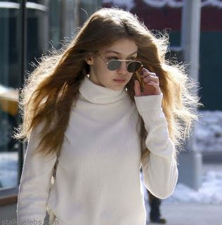 海外セレブスナップ | Celebrity Style: 【ジジ・ハディッド】ちょっと寒そう!?深入りスリットパンツを旬に履きこなしてお出かけ!