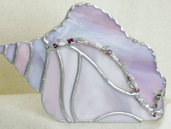 Caracola de malva rosa en vidrieras con abalorios, regalo boda, regalo para ella, regalo de amante de la playa, decoración de cuarto de baño, vidrio de arte de concha