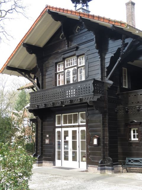 A. Salm, Koetshuis Quatre Bras, Hilversum, Noord-Holland.