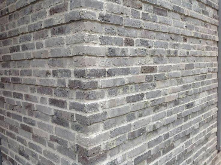 AKA Klinker Graue Backsteinfassade verbindet Altbewährtes mit Moderne