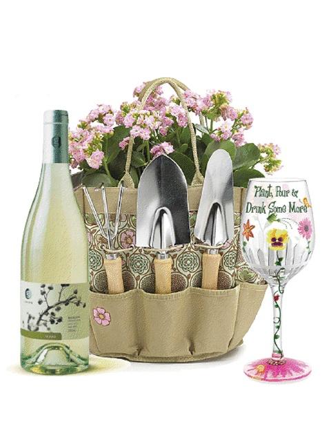 16 best summer gift baskets images on pinterest summer for Gardening tools gift basket