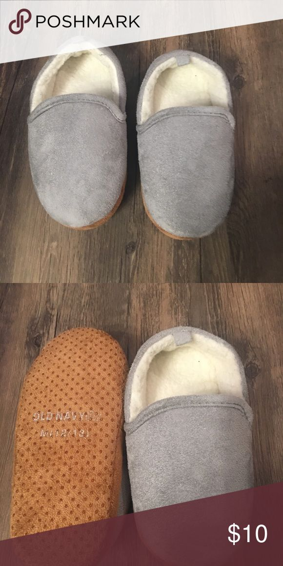 Old Navy children's slippers Old navy like new slippers Old Navy Shoes Slippers