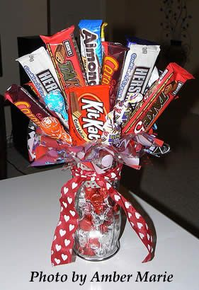 Candy Bar Bouquet Ideas | Candy bouquets for gifts are such a lovely idea and a great twist on ...