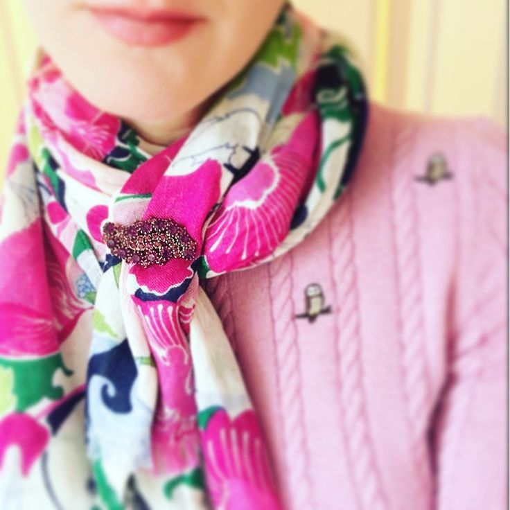 How To Wear The 50's Vintage Sparkling Purple Brooch – The Canny Canary
