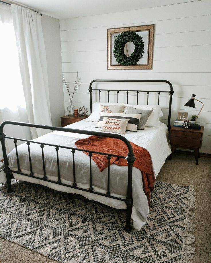 How To Choose Modern Rustic Bedroom Furniture: How To Style A Modern Farmhouse Guest Bedroom
