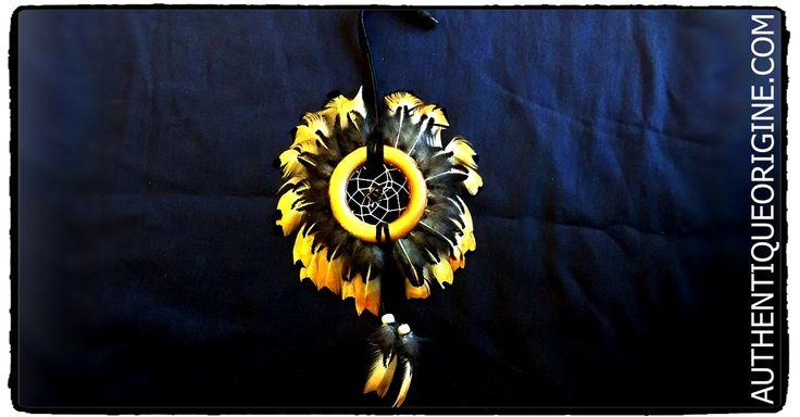 Capteur de rêve Tour de plumes #df0001-02 33$/can + Tx et livraison.  Cuir , Perles de verre,  Fil Végétale pour le tissage. Son origine est cependant issue de la culture autochtone ... suite