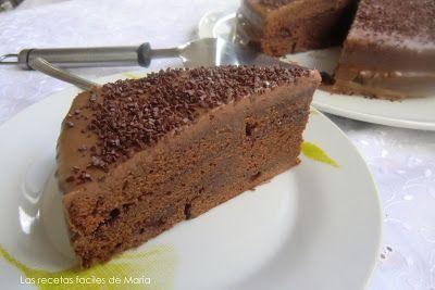 """Llevaba un montón de tiempo queriendo hacer esta receta, La Tarta de Chocolate de """"Donna Hay"""" concretamente desde Mayo, que fue mi cumple y mi hija Angela me regalo el libro """"De la despensa"""" de Donna Hay."""