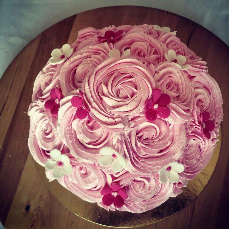 Cupcake cake #giantcupcake #cupcake #cake