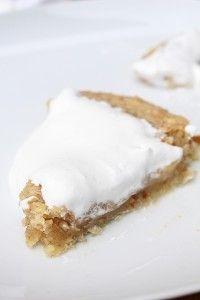 Denna kladdkaka! Helt fantastisk god!! Ni måste bara prova den!!! Kladdkakan är helt vegansk dvs inga ägg eller grädde i! Mums! VEGANSK SEMMELKLADDKAKA 150 g mjölkfritt smör 1 1/2 dl havregrädde 3 dl socker 3 dl vetemjöl 1 tsk kardemumma 0,5 dl grovt hackade mandlar 1,5 tsk vaniljsocker DEKORERING 2 dl soyagrädde GÖR SÅHÄR Sätt [...]