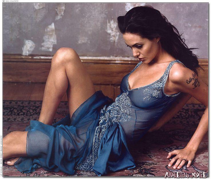 Angelina- Annie Leibovitz