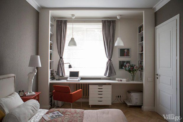 дизайн спальни кровать у окна хрущевка: 26 тыс изображений найдено в Яндекс.Картинках