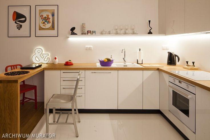 Biała kuchnia o charakterze otwartym Aneks kuchenny   -> Tapeta Samoprzylepna Kuchnia