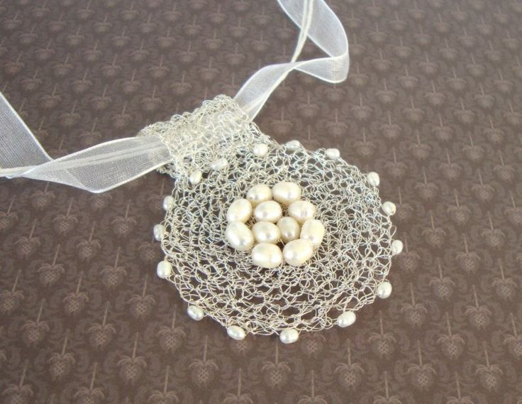 Lace crochet circle wire necklace with freshwater by dekkoline