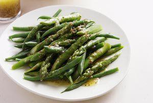 Asparagus - Cultura/Brett Stevens/Riser/Getty Images