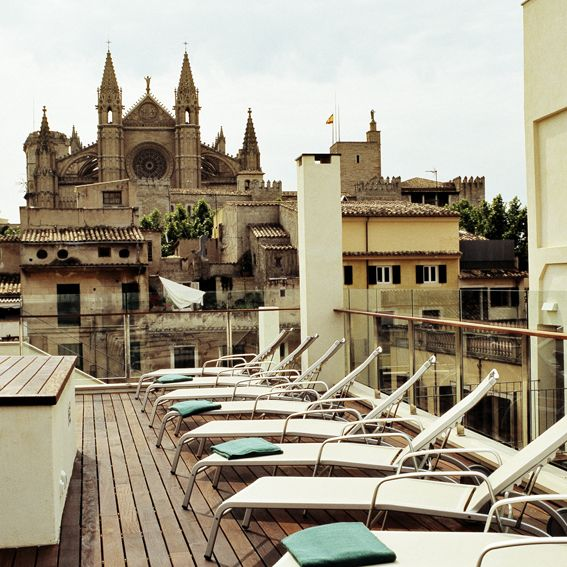 Hotel Tres | Boutiquehotel | Spain | http://lifestylehotels.net/en/hotel-tres | outside, terrace, view, lounger