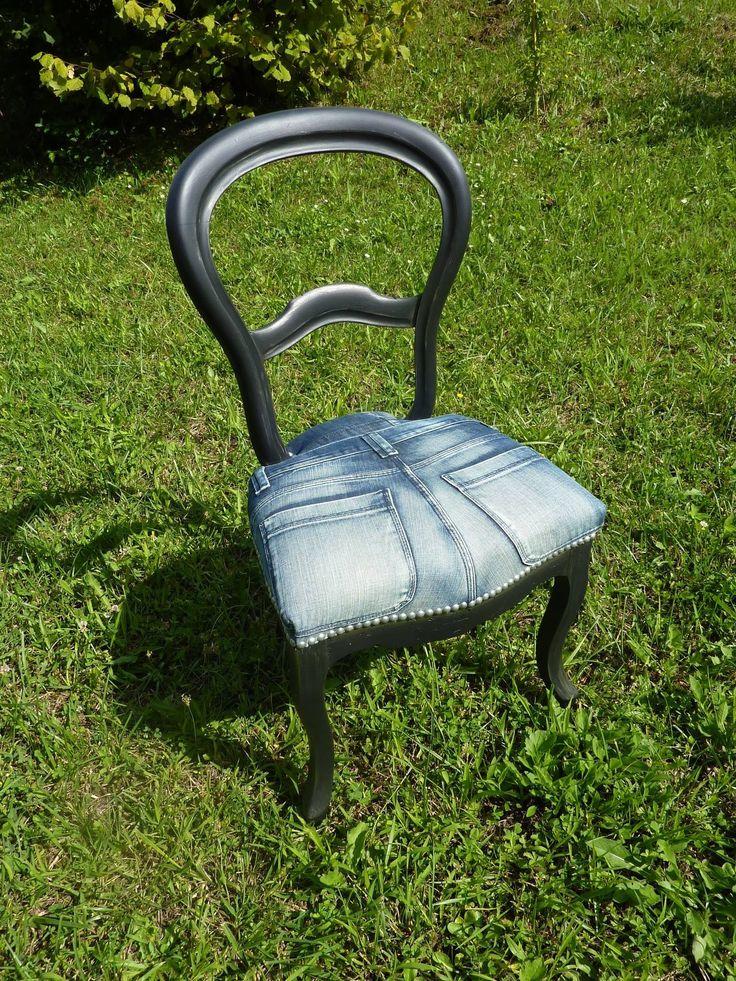 Rénovation d'une chaise  Garniture moderne en mousse Recouverte d'un Jeans Finition clous argent En vente dès septembre dans ma boutique