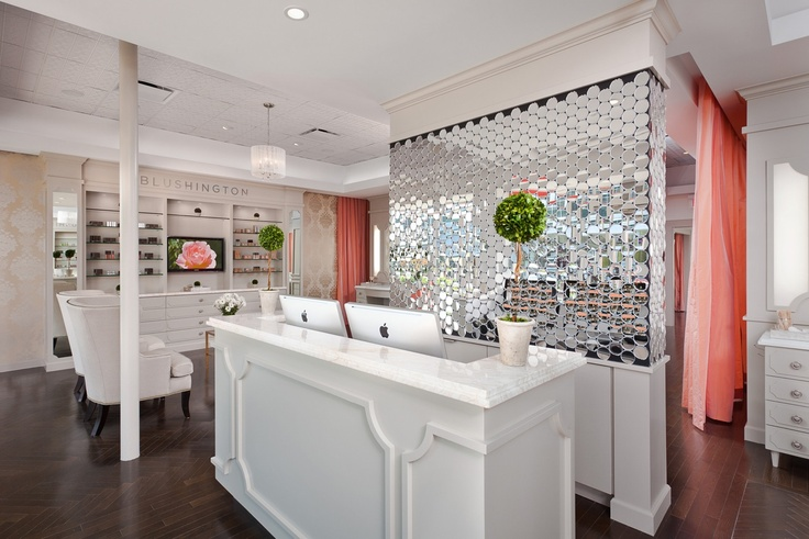 Love the mirrored circles on the wall, the marble counter top, flooring and chairs <3