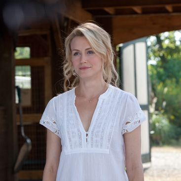 """The Lucky One's Taylor Schilling Talks Love Scenes With Zac Efron: """"Not a Bad Day to Come to Work""""  - www.buzzsugar.com...I like her hair color maybe for highlights?"""