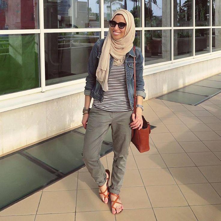 casual hijab style- Modern Hijab Street styles http://www.justtrendygirls.com/modern-hijab-street-styles/