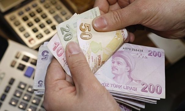 Blue unofficial exchange rate: The devaluation of the Argentinian peso means prices have suddenly fallen – for those with foreign currency