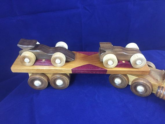 Livraison gratuite aux États-Unis. #160125  Camion-jouet en bois / tracteur remorque / 18 Wheeler / transporteur dune course de formule voiture /…