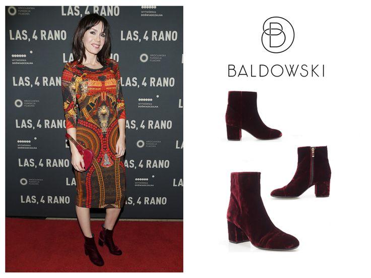 Olga Bołądź wearing Baldowski velvet boots #celebrities #shoes #shoeporn #velvet #inspiration #inspi #velvetshoes
