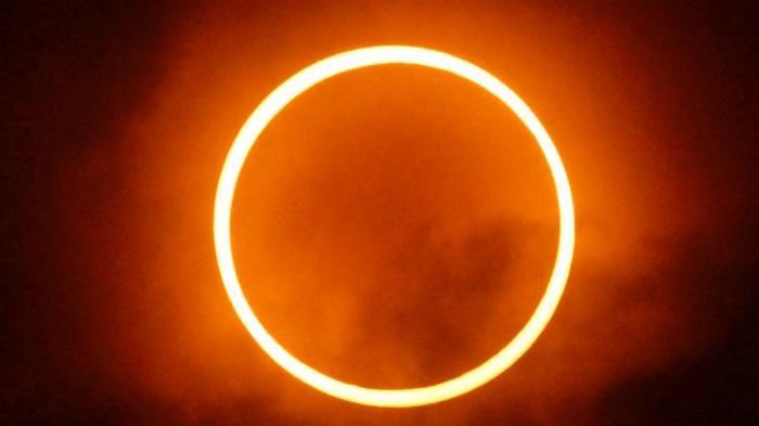Gerhana Matahari Cincin - Menakjubkan, Inilah Potret Langit di Berbagai Penjuru…