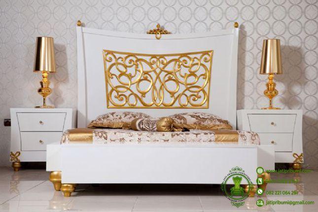 tempat tidur beverly www.jatipribumi.com tempat tidur mewah ukiran jepara model terbaru warna putih kombinasi warna emas