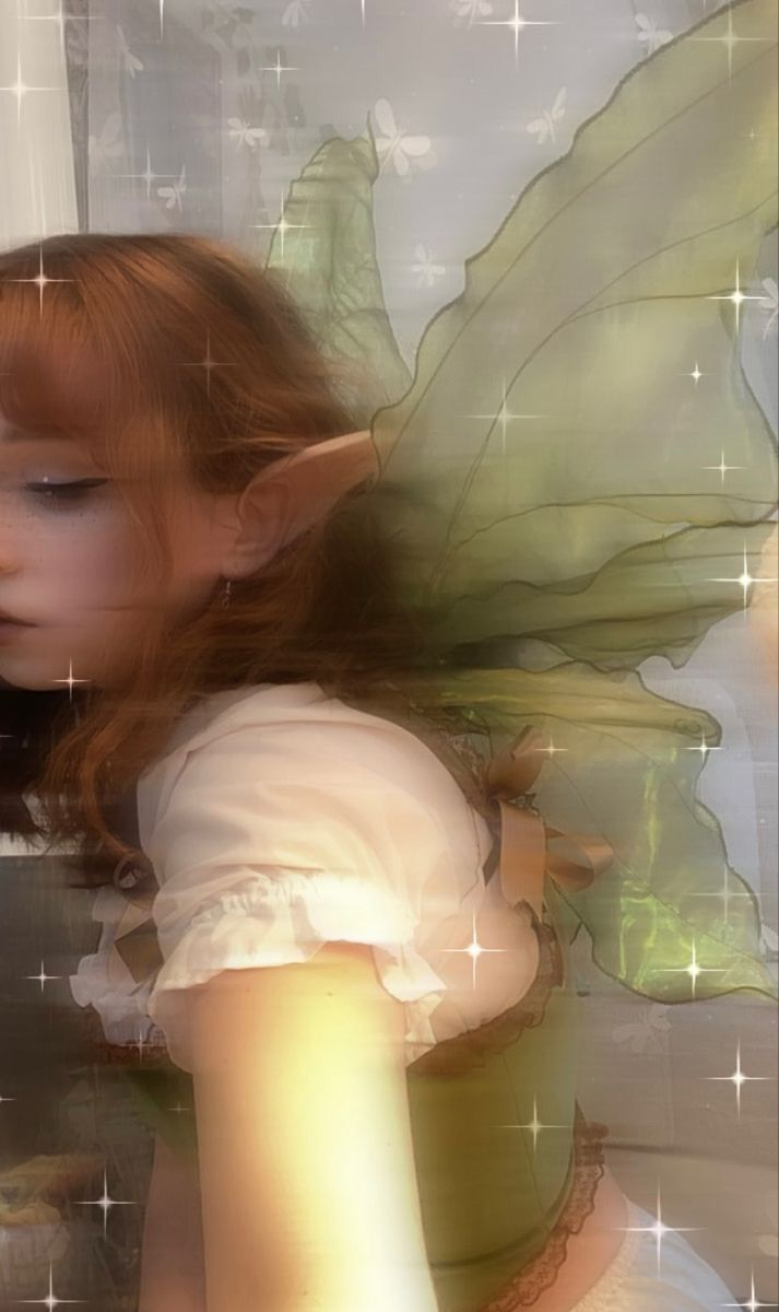 Fae Aesthetic, Images Esthétiques, Forest Fairy, Fairy Art, Indie Kids, Aesthetic Pictures, Pretty People, Fairies, Random
