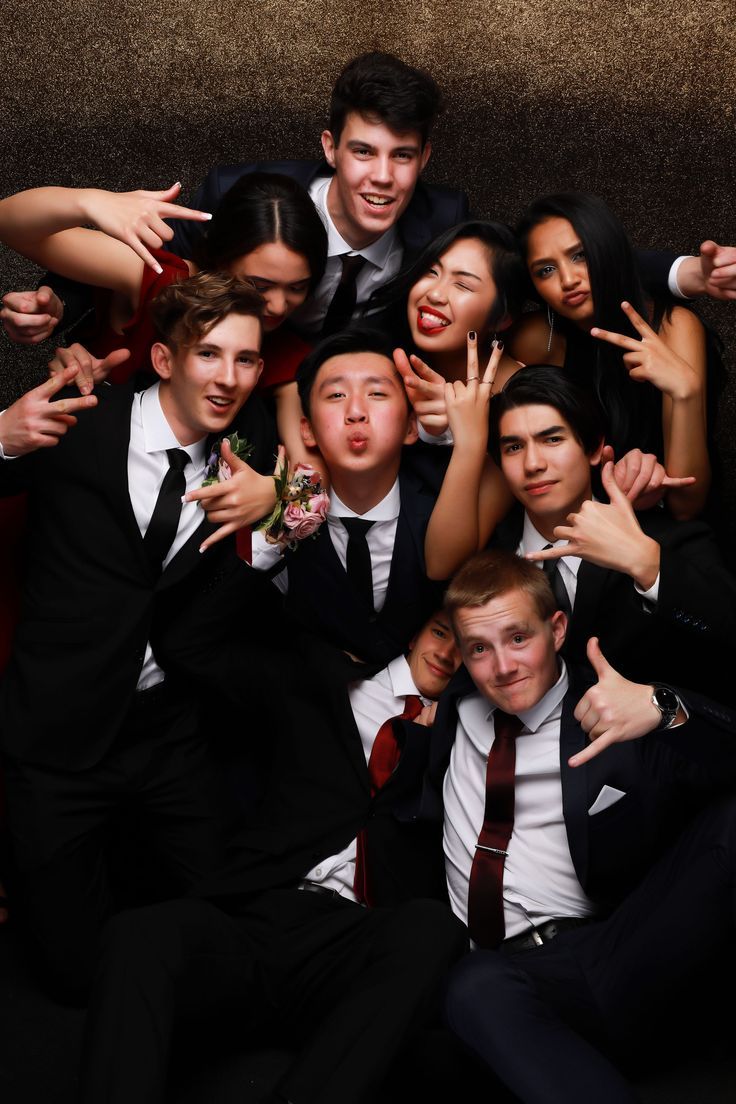 MAGS School Ball 2017. Cool group photo!