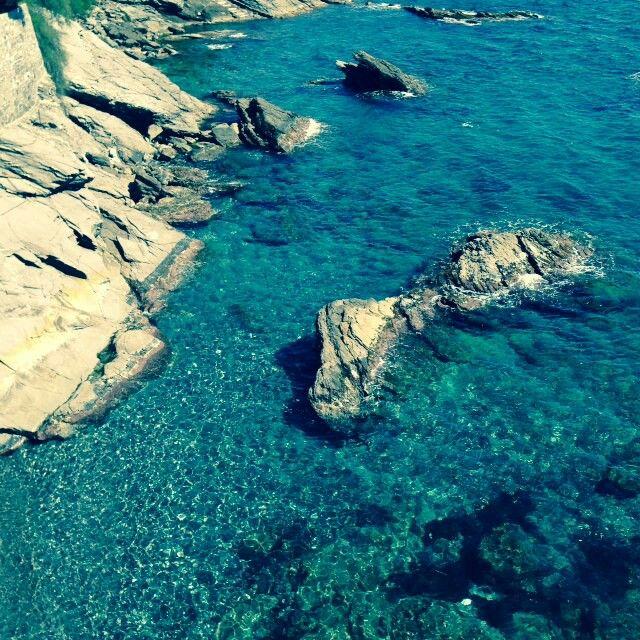 Acqua di smeraldo sulla passeggiata di Nervi GE Italy