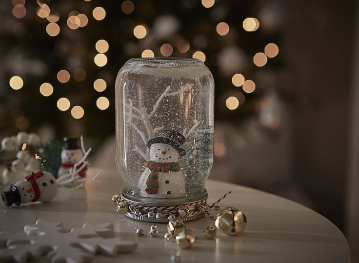 Have fun this xmas with our DIY snowglobe! A cute touch for any mantlepiece or table! #FlavoursofXmas CREATE YOURS NOW: http://blog.dfs.co.uk/2016/11/14/snowglobe/