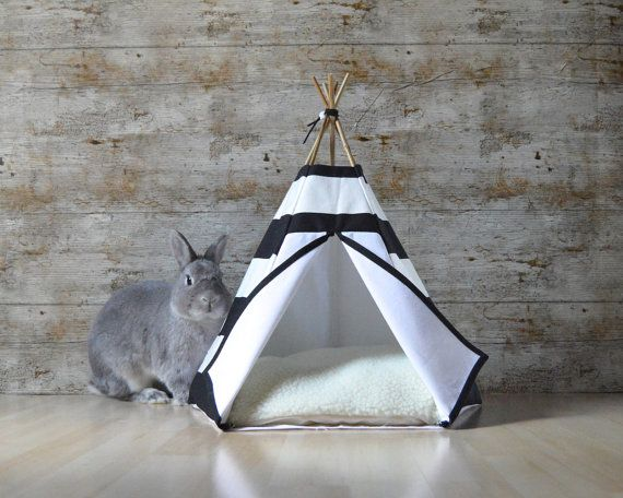 Rabbit bed Kitten teepee with pillow - large stripes pattern - black & white