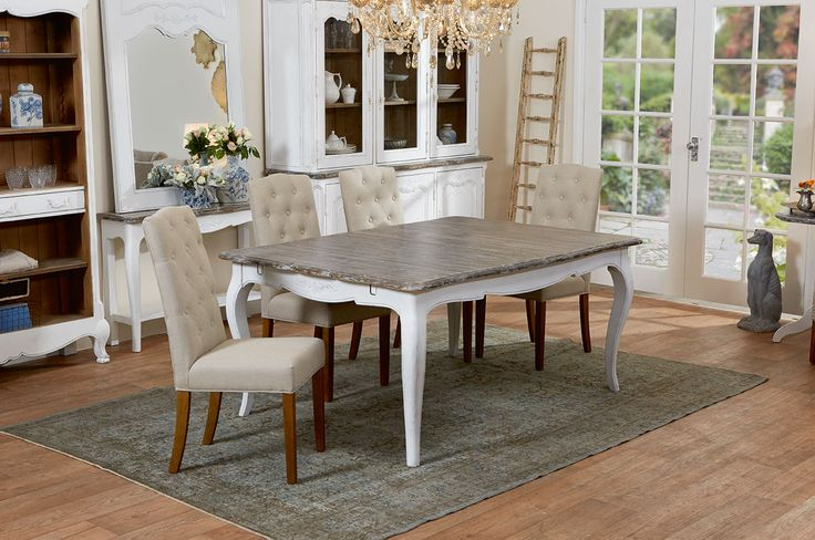 Trianon dining table and 4 Lucan dining chairs