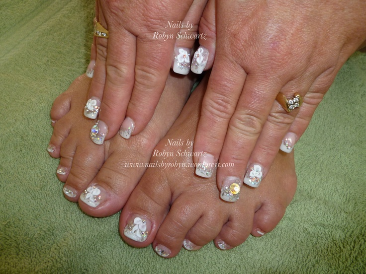 Gel nails, glitter, big Swarovski's and 3D gel.  Super fun!