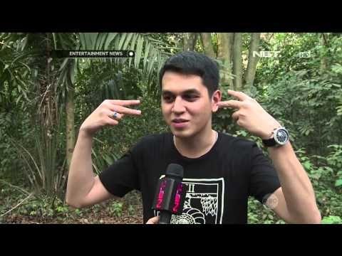 Penampilan Baru Kevin Julio dengan Tindikan Telinga - YouTube