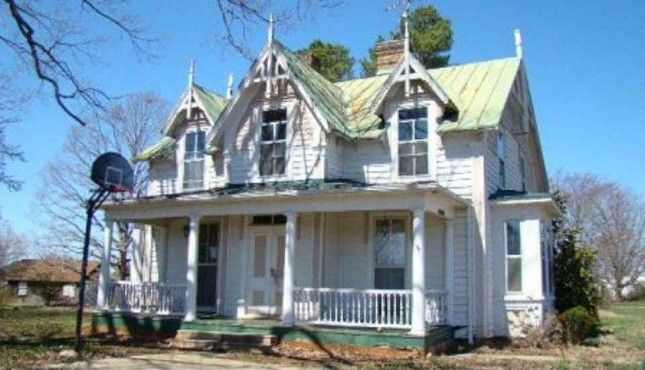 170 best gothic revival homes images on pinterest for Gothic revival farmhouse