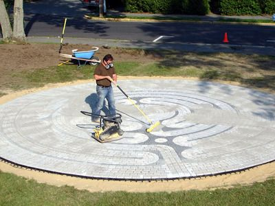 How to make a garden labyrinth